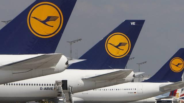 Das Personal der Lufthansa soll länger arbeiten (Archiv)
