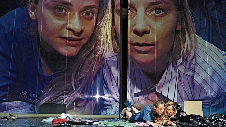 Kamera auf der Bühne klug eingesetzt: Christopher Rüpings Inszenierung «Der letzte fiese Typ» am Schauspielhaus Zürich.