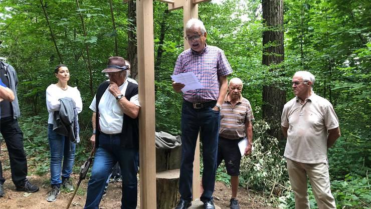 Männerriege-Präsident René Rey (vorne Mitte) und FinnenbahnInitiant Fritz Rakeseder (hinten Mitte) hielten Ansprachen.