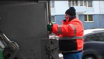 Müllmänner müssen auch bei Minustemperaturen arbeiten.