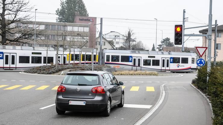 Der Kreisel Mitteldorf wurde mit einem «F» bewertet, was «Überlastung» signalisiert.