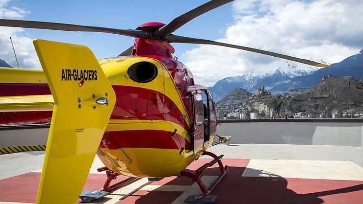Der verstorbene Wanderer wurde am Becs de Bosson bei einem Suchflug mit einem Helikopter der Air-Glaciers entdeckt. (Symbolbild)