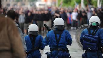 Hooligans und die Polizei treffen immer öfters aufeinander.