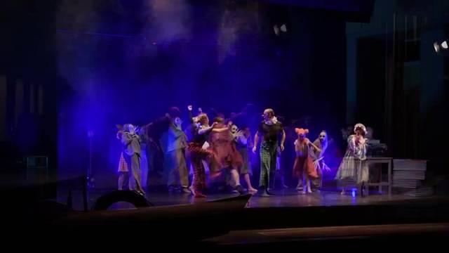 Das Tanzatelier «Déjavu» von Monika Hugi zeigt das Stück «Überdosis Freude»