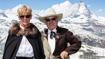 Gerlinde und Art Furrer vor dem Matterhorn – die beiden haben die halbe Welt durchklettert. Das Matterhorn bleibt Art Furrers Lieblings-Bergtour.