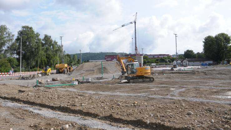 Der Fussballplatz Villmergen wird saniert. (Bild vom Bauplatz Ende Juli 2019)