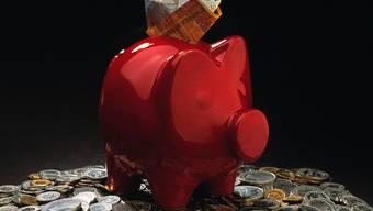 Herr und Frau Schweizer sind Weltmeister im Sparen (Symbolbild)