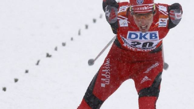 Dario Cologna in Lahti gestürzt
