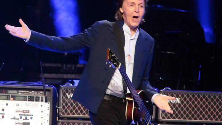 Jeder Ton von Paul McCartney ist Gold wert: Eine seiner Demoplatten ist für 21'000 Euro versteigert worden. (Archivbild)
