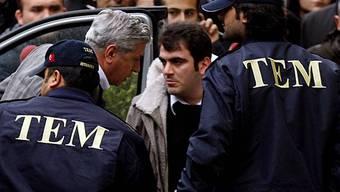 Türkische Polizei verhaftet Offiziere (Archiv)