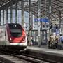 Zug im Bahnhof Olten. (Archivbild)