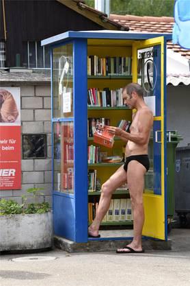 Der Bücherschrank im Sonnenbad in Binningen.