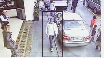 """Der """"Mann mit dem Hut"""" ist Mohamed Abrini: Er gehört zur IS-Zelle, die bereits für die Anschläge in Paris verantwortlich war (Archiv)"""