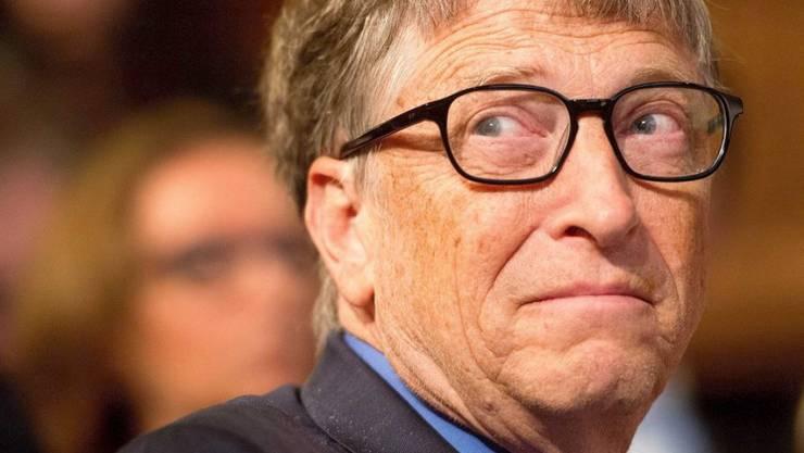 Bill Gates düpiert seine Branchenkollegen mit der Aussage, dass das FBI berechtigterweise den Zugriff auf die iPhone-Daten fordert.
