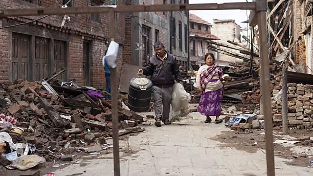 Ihnen soll geholfen werden: Erdbebenopfer in Nepal