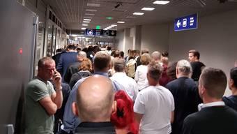 Grenzwache: Reisende müssen just zur Ferienzeit mit langen Wartezeiten an der Passkontrolle rechnen