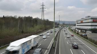 Die Autobahn A1 in Dietlikon: Im Kanton Zürich nimmt die Zahl der Fahrzeuge am stärksten zu.