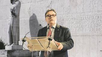Der Baselbieter Bildungsdirektor Urs Wüthrich steht vor harten Verhandlungen um die Zukunft der Universität.