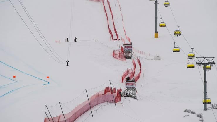 Die Seilbahnkamera des Schweizer Fernsehens SRF im Zielraum der Ski-Weltmeisterschaft 2017 in St. Moritz.