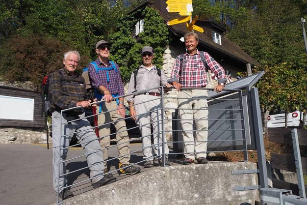 Sie sind von Regensberg zum Schartenfels gewandert (v.l.): Fritz Guttmann, Arno Frei, Vincenzo Pirozzi und Otto Gärtner.