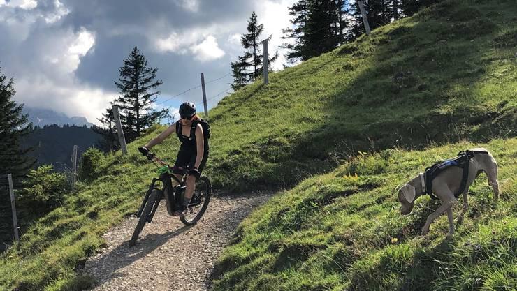 Noemi Di Chiara ist gerne mit dem Bike unterwegs.