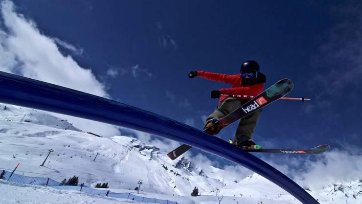 Zum Freestyle gehören auch Tricks auf sogenannten Rails – das Freestyle Team Fricktal beherrscht sie.