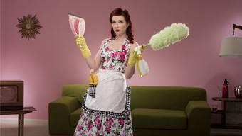 Die tüchtige und adrette Hausfrau: Veraltete Rollenbilder prägen bis heute die Diskussion über Frauen im Arbeitsmarkt.Getty