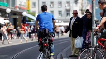 Im Juli öffnete die Basler Regierung die Greifengasse und die Untere Rebgasse für den Veloverkehr. Nun folgen 16 weitere Strassen.