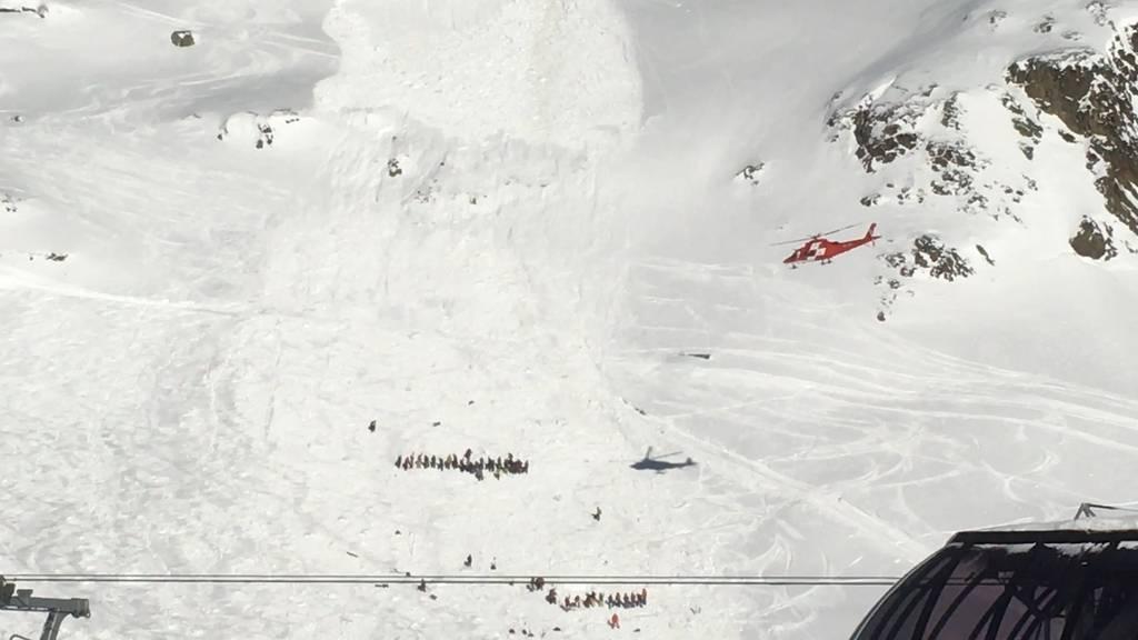 Lawine verschüttet sechs Personen auf Skipiste