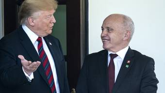 Ueli Maurer besuchte Donald Trump. Dieser Gratuliert nun der Schweiz zum Nationalfeiertag.