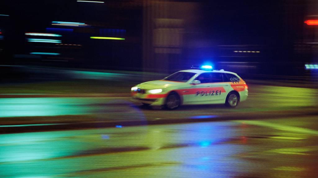 Verdacht auf Sprengstoff: Freiburger Polizei räumt Wohnblock