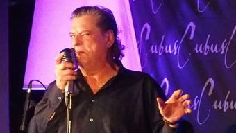 Endo Anaconda von Stiller Has verausgabt sich im «cubus» total. Heiser röhrt er ins Mikrofon, seufzt, ächzt, stöhnt.