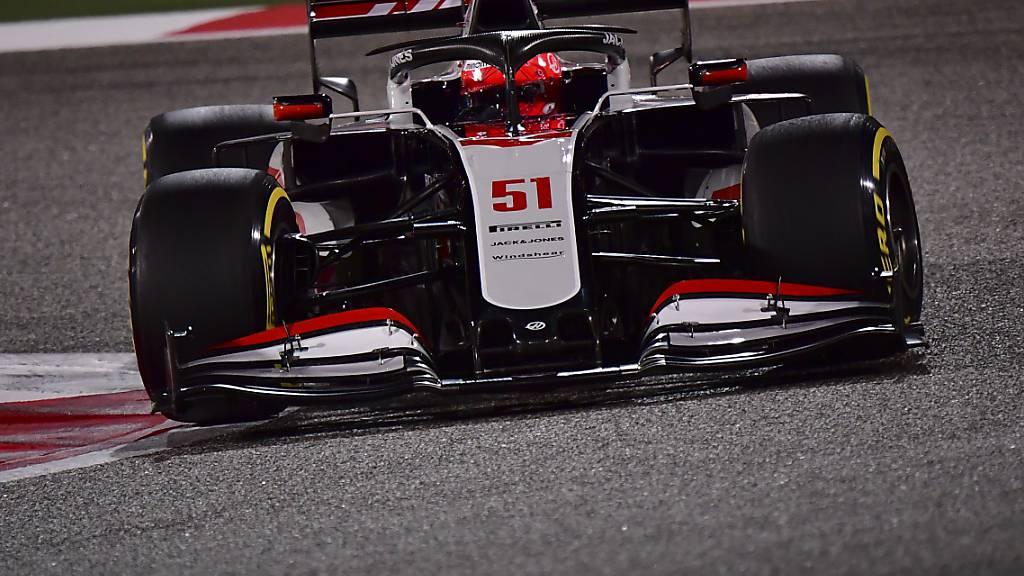 Das Haas-Cockpit von Nikita Masepin ist schon ein wenig belastet