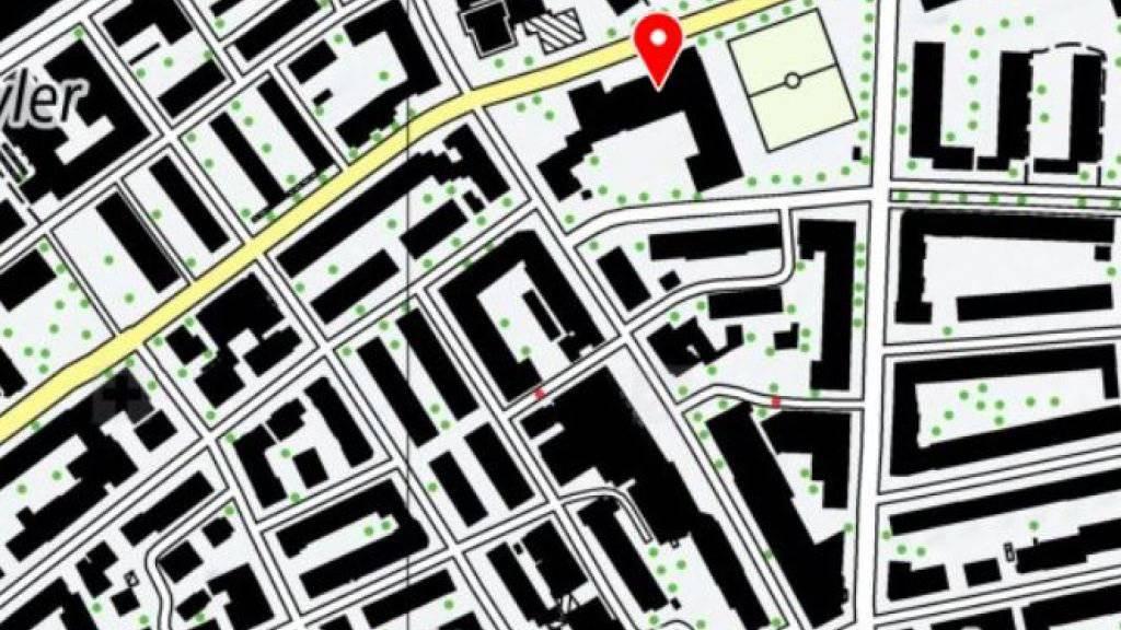 Auf der Kreuzung neben dem Berner Breitfeld-Schulhaus (rot markiert) ereignete sich der Unfall.