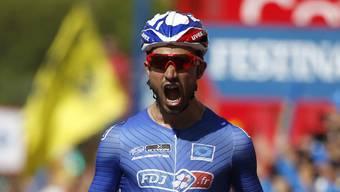 Nacer Bouhanni (hier bei seinem letztjährigen Etappensieg an der Vuelta) jubelt im Dauphiné