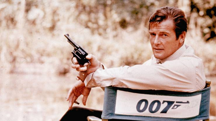 """Roger Moore in """"Live and let die"""" (1972)."""