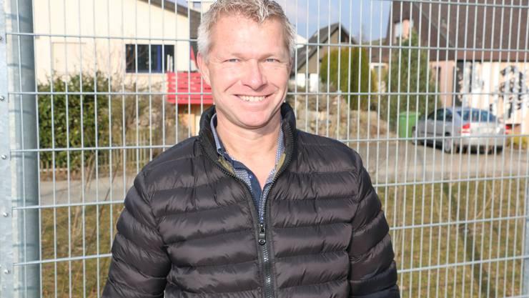 Der neue FCA-Stürmertrainer Erik Regtop nahm bereits am Mittwoch auf dem Trainingsplatz des Klubs einen ersten Augenschein