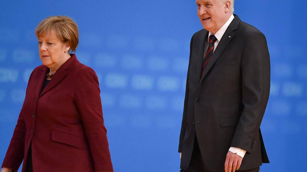 Eiszeit zwischen den Unionspartnern: Bundeskanzlerin Merkel (CDU) und CSU-Chef Seehofer finden in der Flüchtlingspolitik keine gemeinsame Linie.