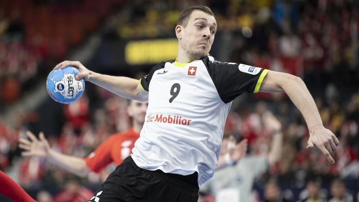 Marvin Lier kommt beim 31:24 gegen Polen zu acht Schüssen und fünf Toren.