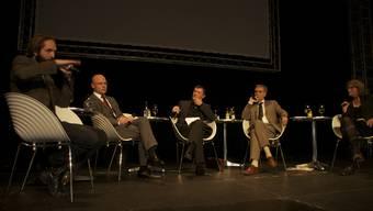 Kulturdebattierer: Elia Rediger, Baschi Dürr, Stephan Märki, Guy Morin und Stephanie Gräve (v. l.).
