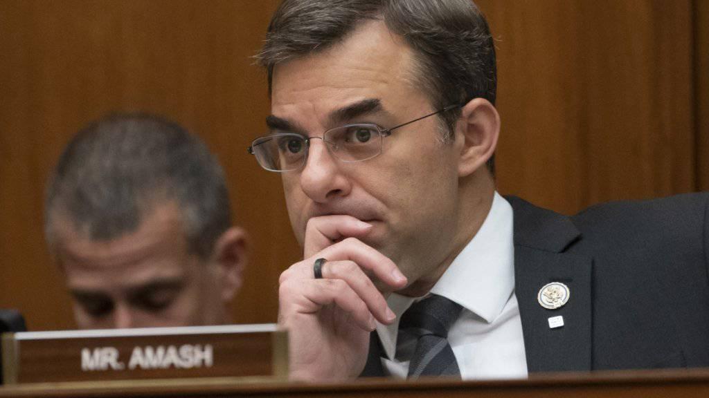 Der Kongressabgeordnete Justin Amash verlässt die Republikaner und ist künftig ein unabhängiger Abgeordneter.