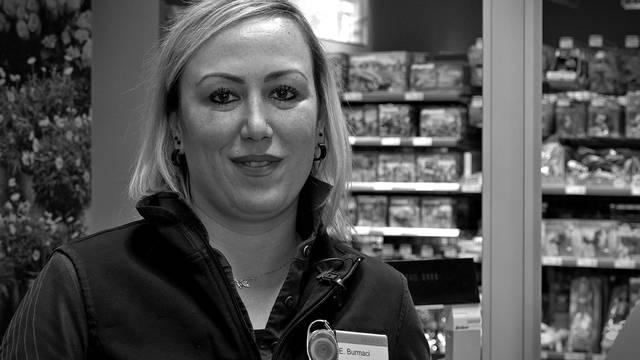 Emel Burmaci ist Kassiererin aus Leidenschaft: «Viele unterschätzen diesen Job»