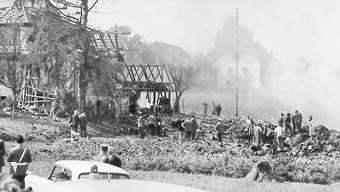 Die Caravelle der Swissair bohrte sich am 4. September 1963 knapp vor dem Ortsrand in Dürrenäsch in die Wiese, 80 Menschen fanden dabei den Tod.