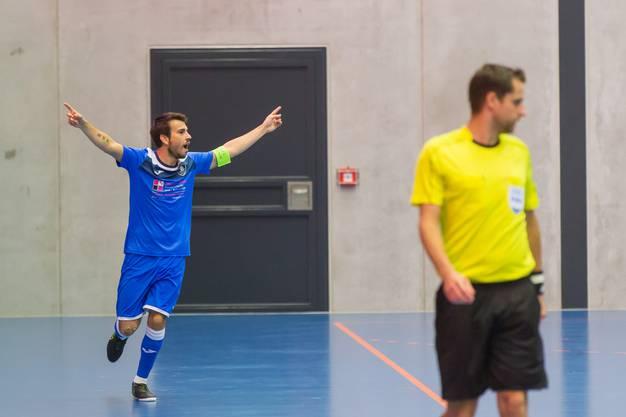 Jubel bei Torschütze Alessandro Facchinetti nach dem überraschenden 1:0