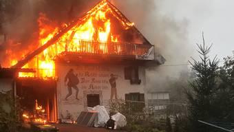 Der Brand zerstörte den Dachstock und das Obergeschoss.