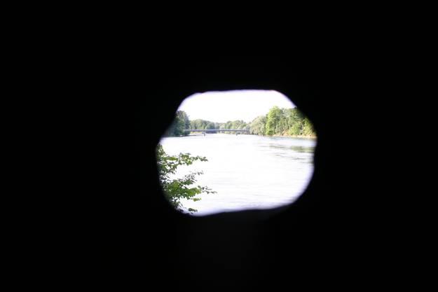 Blick aus der Schiesscharte aareabwärts