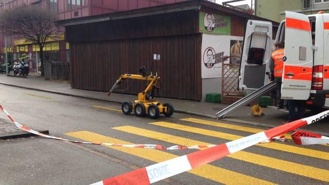Der Bombenentschärfungsroboter auf dem Weg zur Arbeit.