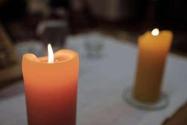 Kerzen in der reformierten Kirche von Rupperswil.