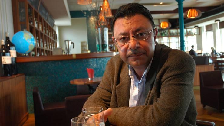 Hussein Albalkhi gibt sein Wissen über Landwirtschaft am 19. April in der Roten Fabrik, Zürich, weiter.