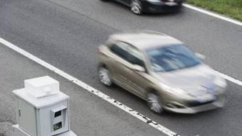 Autofahrer in Zürich rast mit 111 km/h durch Tempo-50-Zone (Symbolbild).